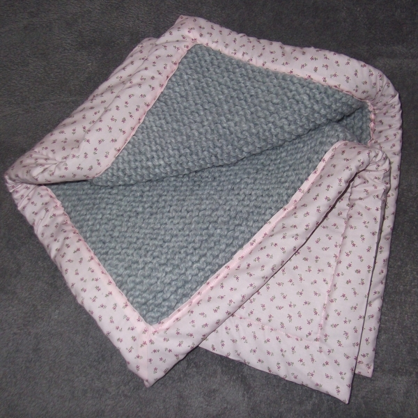 Couverture bebe tricot triangle