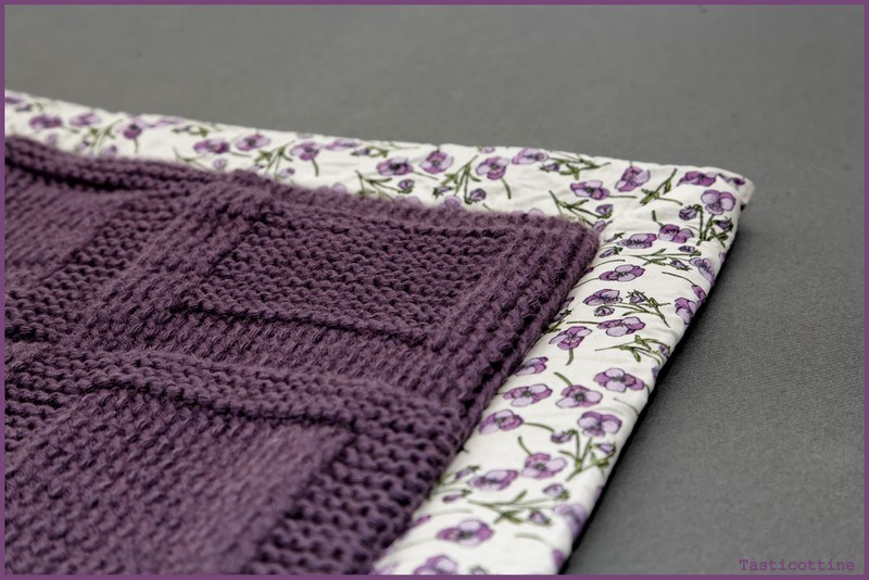 Couverture bebe tricot doublee tissu