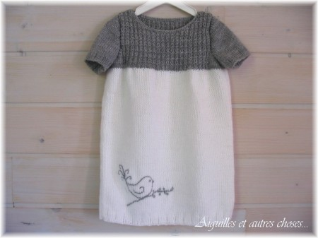 Tricot robe fillette facile