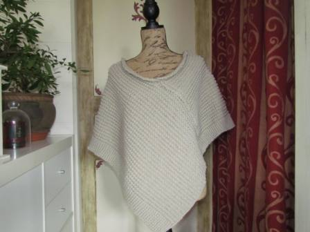 Tricot poncho point mousse