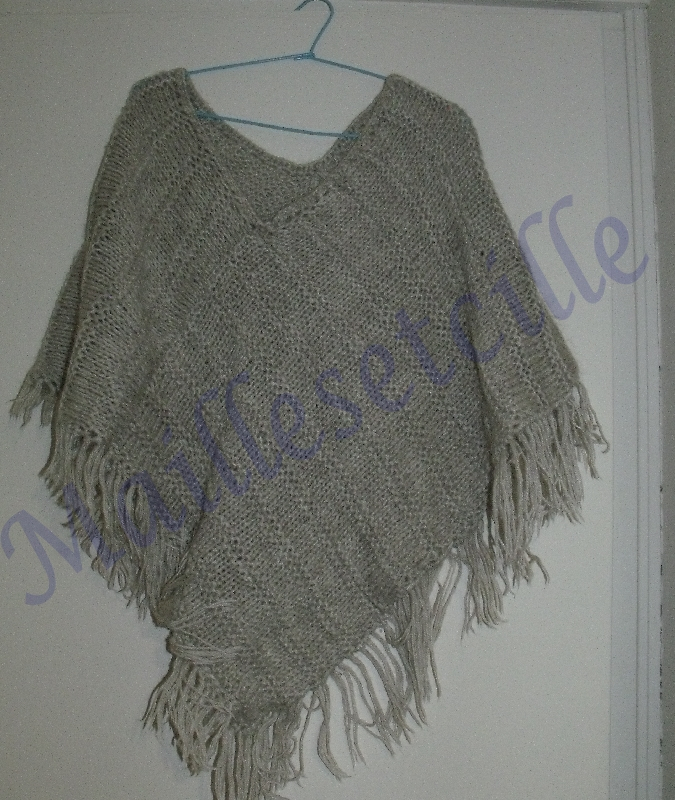 Tricot poncho deux rectangles