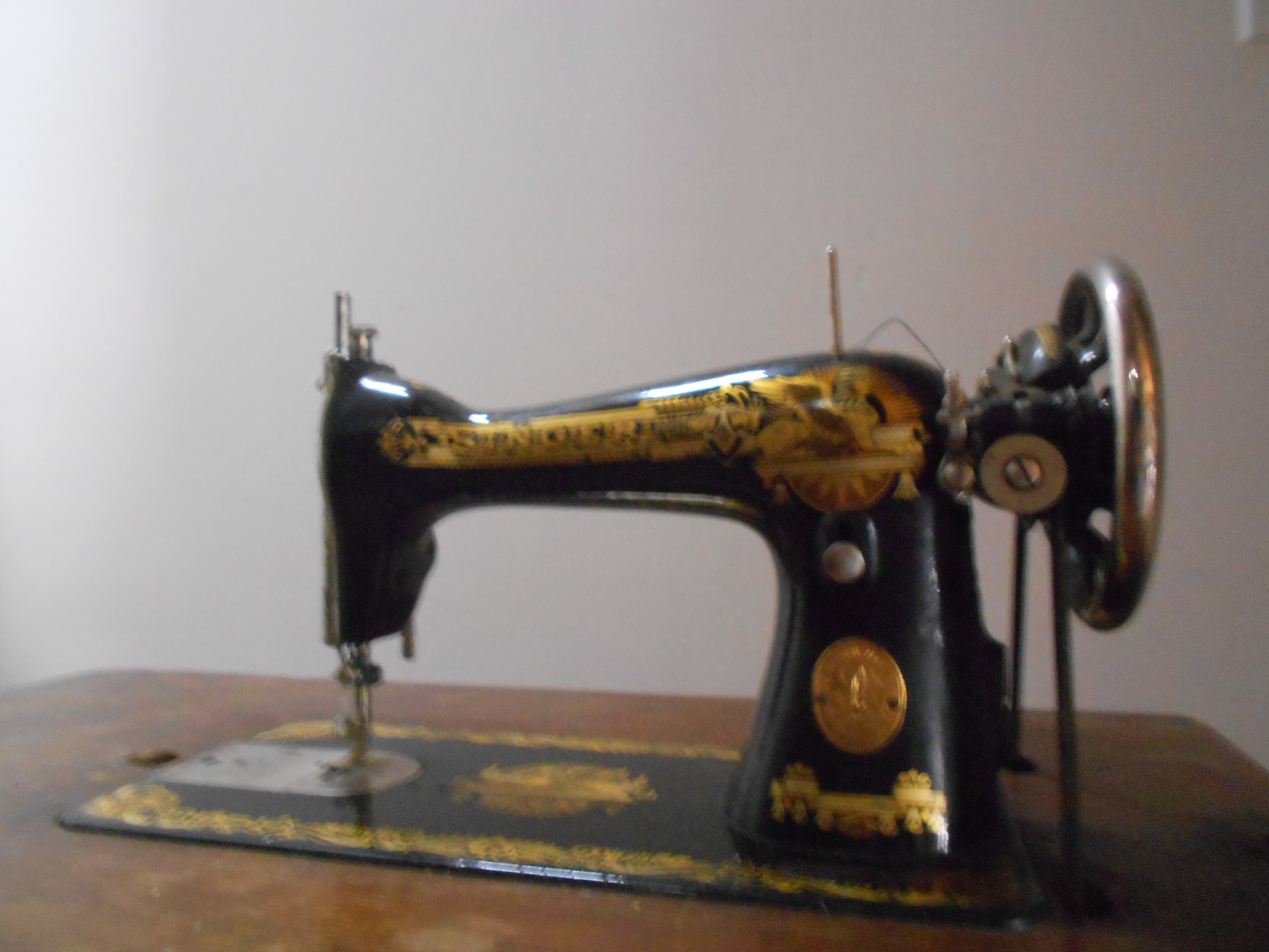 Machine a coudre ancienne anglaise