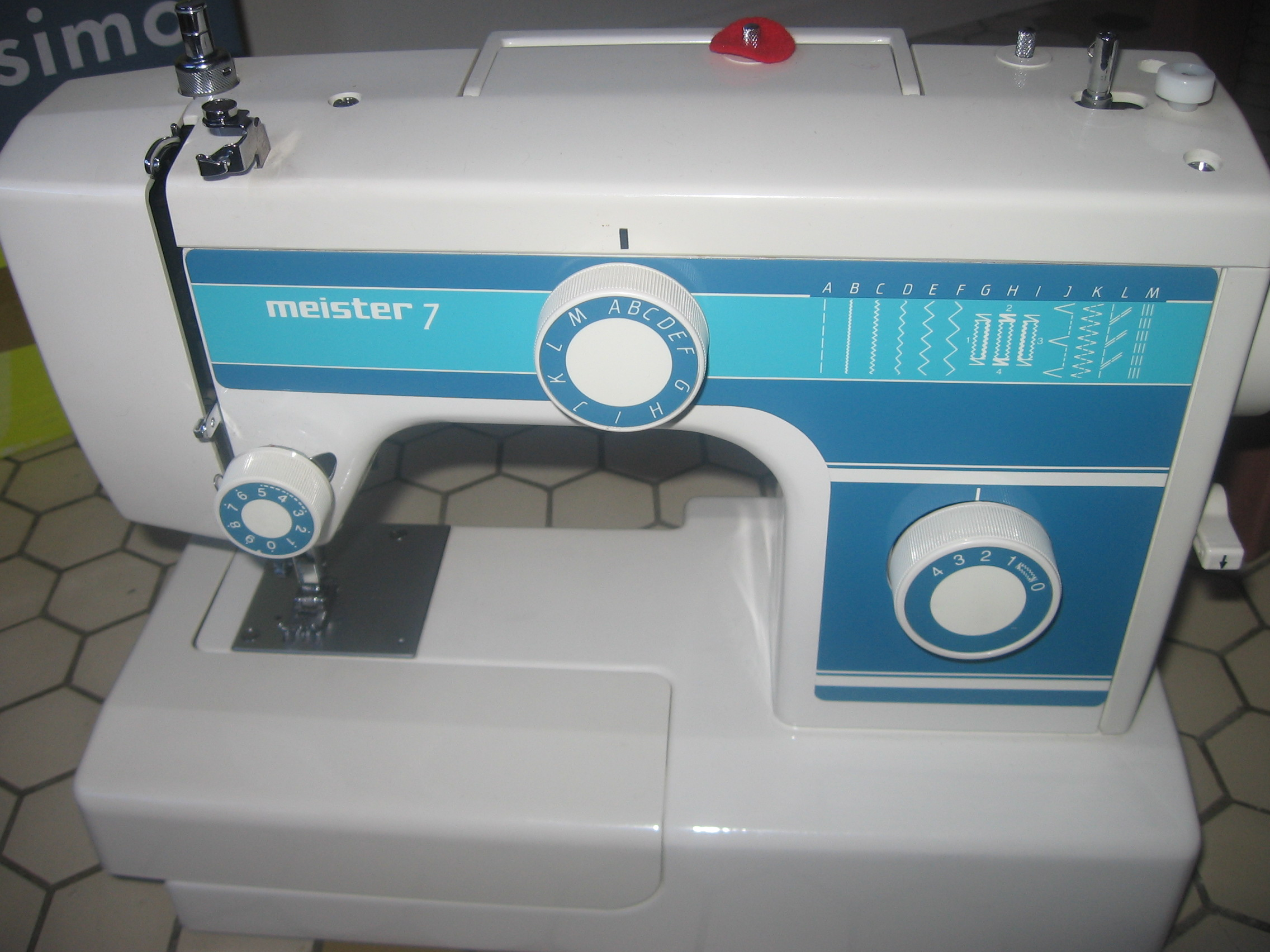 Machine a coudre meister 15