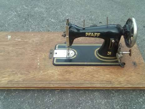 Machine a coudre pfaff 31