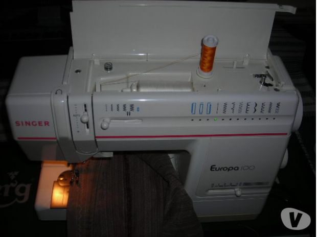Machine a coudre singer europa 200