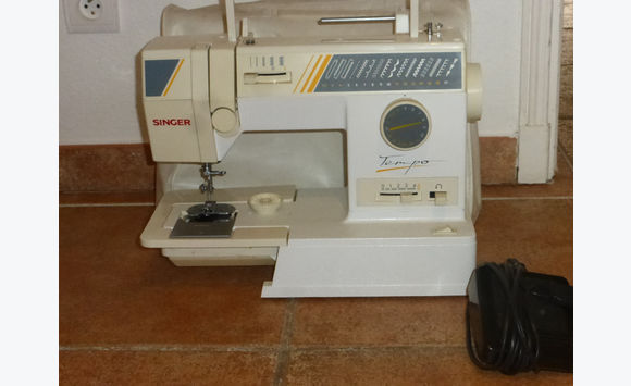Machine a coudre, electromenager